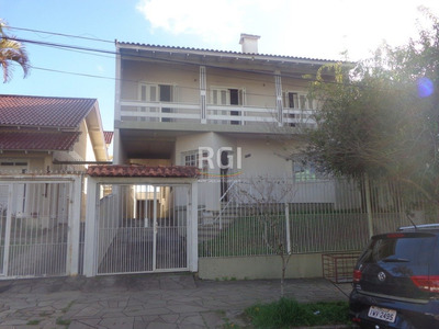 Casa Em Teresópolis Com 4 Dormitórios - Bt8085