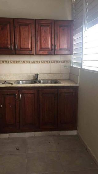 Alquilo Apartamento En Villa Consuelo 809-791-9442