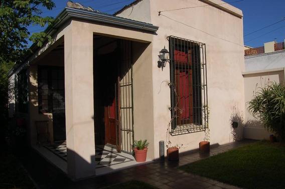 Casa 3 Ambientes Estilo Antiguo *zona Castelar Sur*