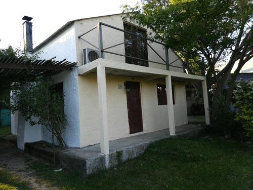 Casa En Fomento. 2 Dormitorios Y Demás Comodidades