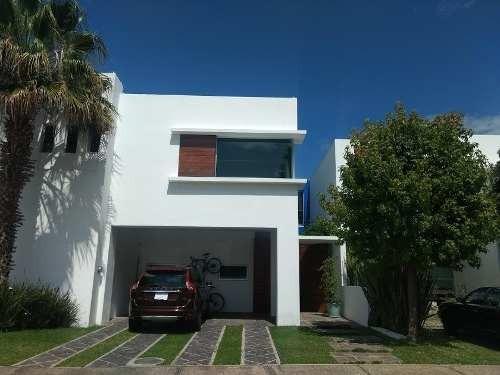 Casa En Olivos Residencial Con Terminados De Lujo