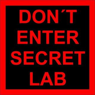 Placa Decorativa Dont Enter Secret Lab 18x18 Frete Grátis!