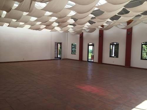 Casa Sola En Villas De Allende, Salon De Eventos En Venta En