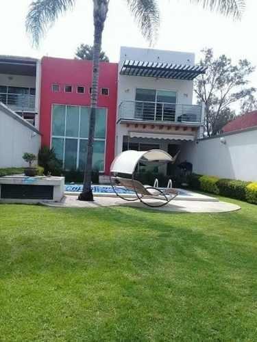 Amplia Y Ubicadisima Casa En Lomas De Cortes!!!!