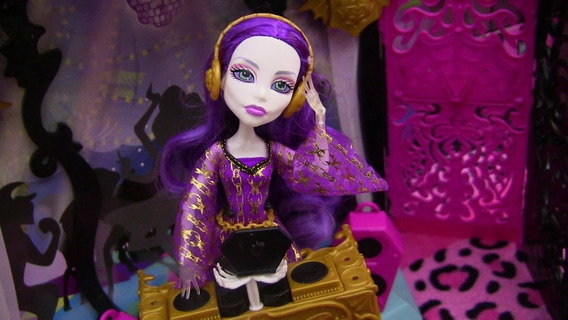 Monster High Spectra Vondergeist Party Lounge
