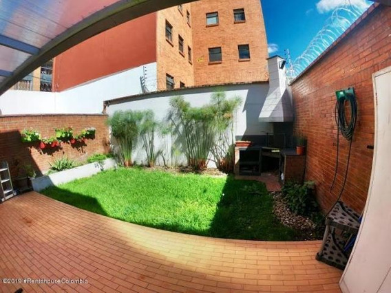 Casa En Venta En Santa Paula Mls 19-1035