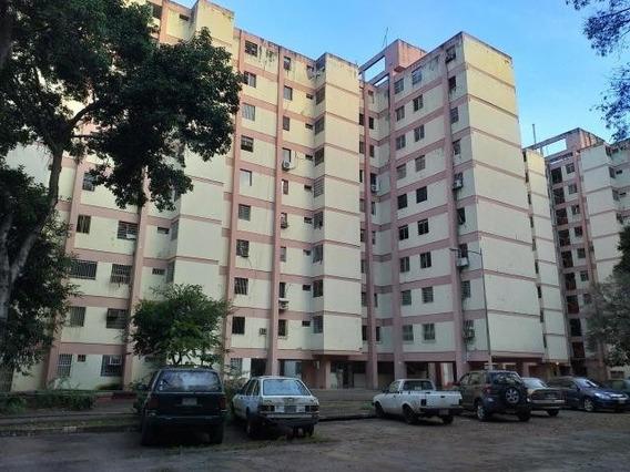 Apartamento En Venta En Valencia En Kerdell 20-2285 Raga