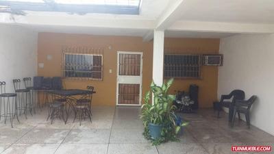 Casas En Venta En Urb Villa Maria 04125317336