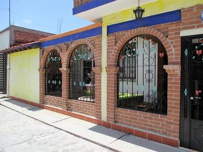 Casa Típica De Descanso Ubicada En Centro Tuxpan Michoacan