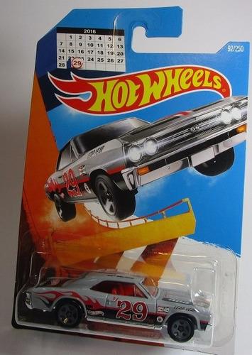 Chevelle Ss 29 2016 Bisiesto Escala Hot Wheels J12