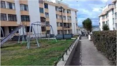 Departamento De 3 Dormitorios Y Con Parqueadero