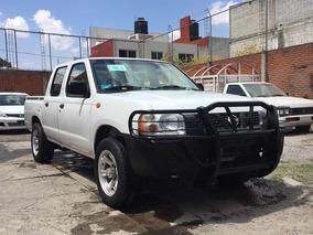 Nissan Doble Cabina 1