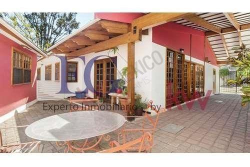 Hermosa Casa De Una Planta Con 3 Habitaciones En Jurica