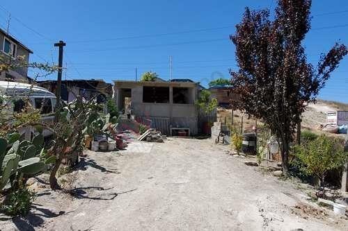 Casa En Amplio Terreno En Ejido Entre Tijuana Y Rosarito