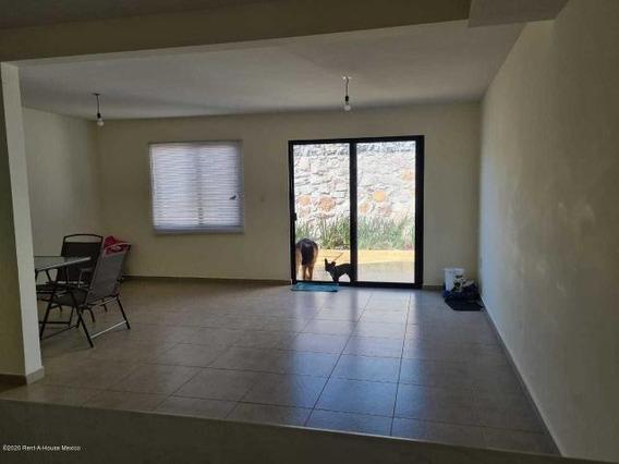 Casa En Renta En El Refugio Jl 21750