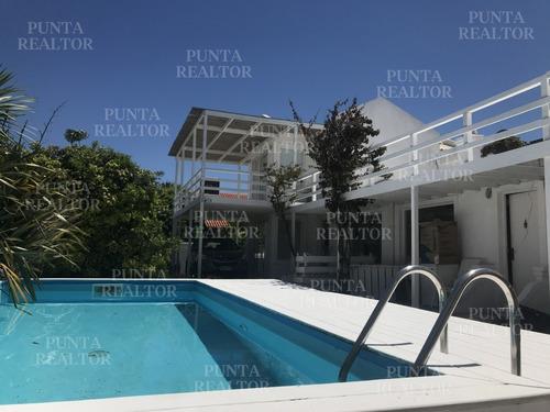 La Barra, 3 Suites Y Servicio, Gateando Al Mar. Pileta. 200 Construidos Y 150 M2 En Decks. Aa. Vista A Olas. Ruta Al Mar!- Ref: 137