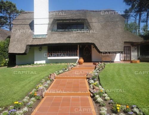 Casa En Alquiler - Ref: 25067