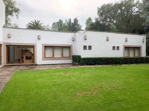 Casa En Venta En Calle Cerrada / Jardines Del Pedregal