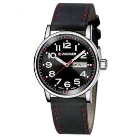 Reloj Wenger Attitude Day & Date Correa Cuero Negra