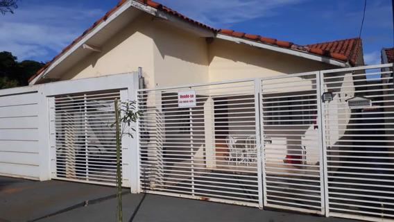 Casa Com Garagem, Varanda, 03 Quartos, Cozinha, Sala E Lavan
