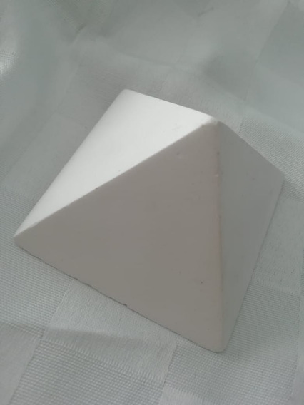 Molde Caucho De Silicona Piramide Lisa 7.5 X 7.5 X 5 Cm