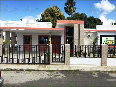 Casa En Proyecto Cerrado Llanos De Gurabo (eac-146)