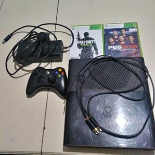 Xbox 360 Con 1 Joystick Y 2 Juegos