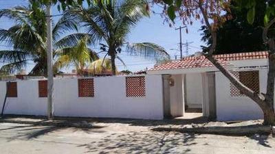 Casa De Una Planta En Pinos Del Norte