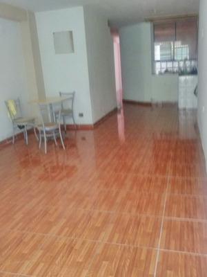 Casa 2 Pisos- Av. Jose Granda 80 M2