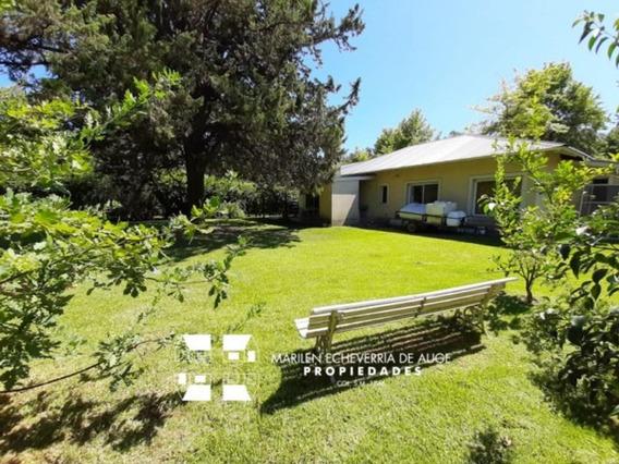 Casa En Una Planta Sobre Lindísimo Lote De 1700m2 Parquizado