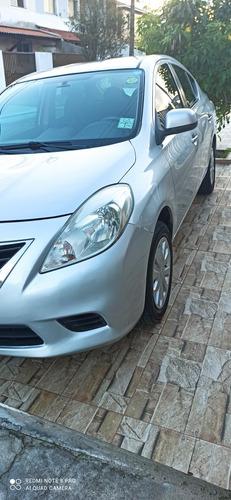 Imagem 1 de 9 de Nissan Versa 2012 1.6 16v Sv Flex 4p