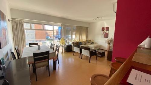 Apto De 2 Dormitorios 2 Baños, Balcon Y Cochera. En Mansa Con Vista Al Mar.- Ref: 2638