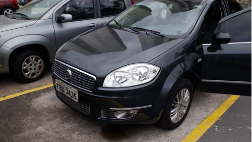 Fiat Linea 2012 1.8 16v Essence Flex 4p
