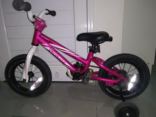 Bicicleta Rodado 12 Marca Specialized Mod: Hot Rock 12