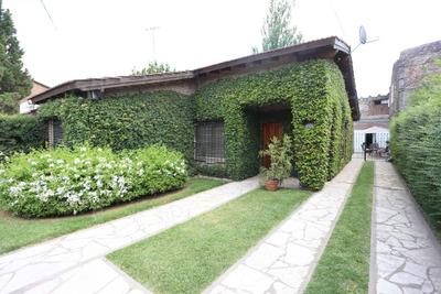 Casa En Venta Ubicado En La Pilarica, Pilar Y Alrededores