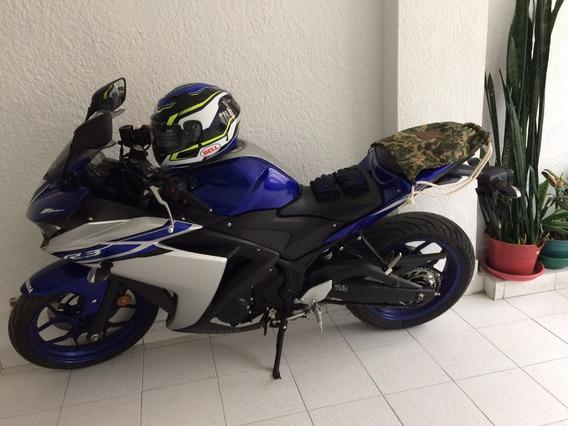 Yamaha R3 Azul Gris