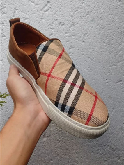 Slip On Burberry Cafe Iate
