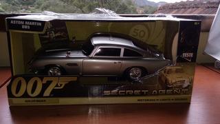007 Aston Martin Db5 Goldfinger Lacrado 1:24