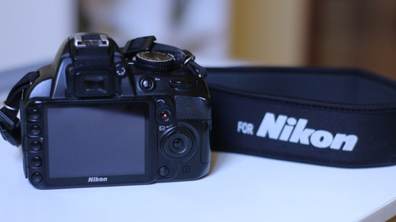 Câmera Nikon D3100 + Acessórios