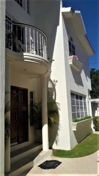 Sm 17 Cancun, Quintana Roo, Casa En Venta, Amueblada