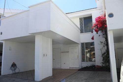 Vendo Preciosa Casa En Excelentes Condiciones