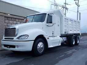 Freightliner Columbia Volteo Año: 2009 $790,000.00 M.n.#111