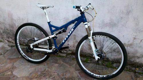 Bike Full Aro 29 Titus Rockstar Tamanho 19  Alumínio/carbono