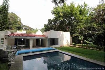 (crm-1404-3085) Casa De Un Nivel En La Col. Racho Cortés $ 4 950,000 Clave Cs934