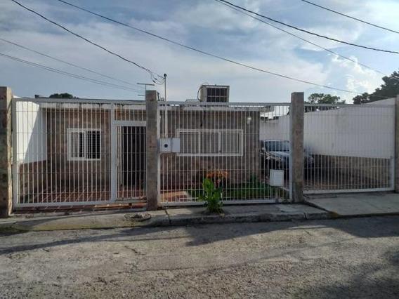 Casas En Venta En Patarata Barquisimeto Lara 20-6091