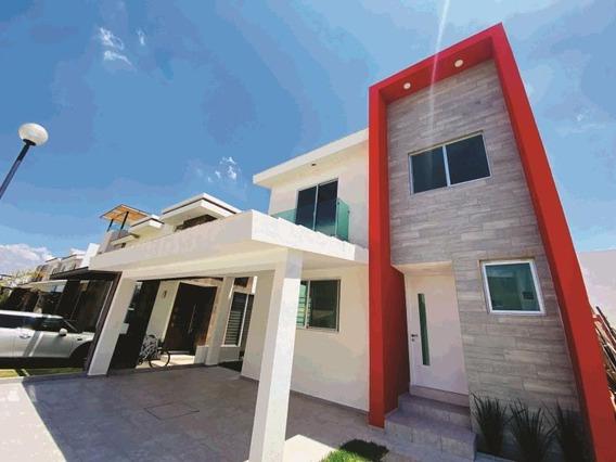 Casa Sola En Venta Residencial Las Plazas