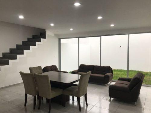 Casa Nueva Venta, Colonia Guadalupe Victoria, Coatzacoalcos, Ver.