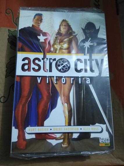 Astrocity Os Invisíveis Vertigo Panini