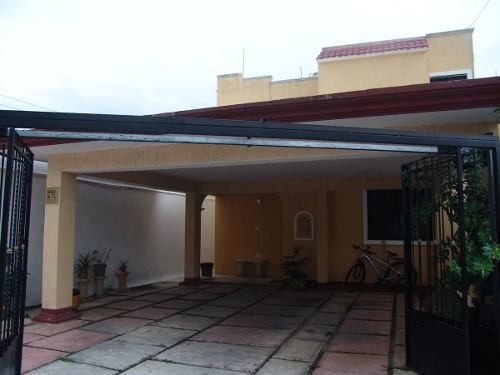 Casa Con Uso De Suelo En Chuburna De Hidalgo, Mérida