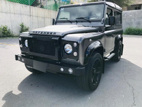 Land Rover Defender Chelsea Black Edition